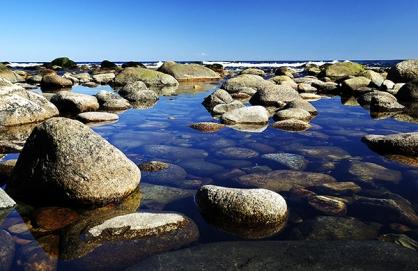 Kiviä järvessä_600
